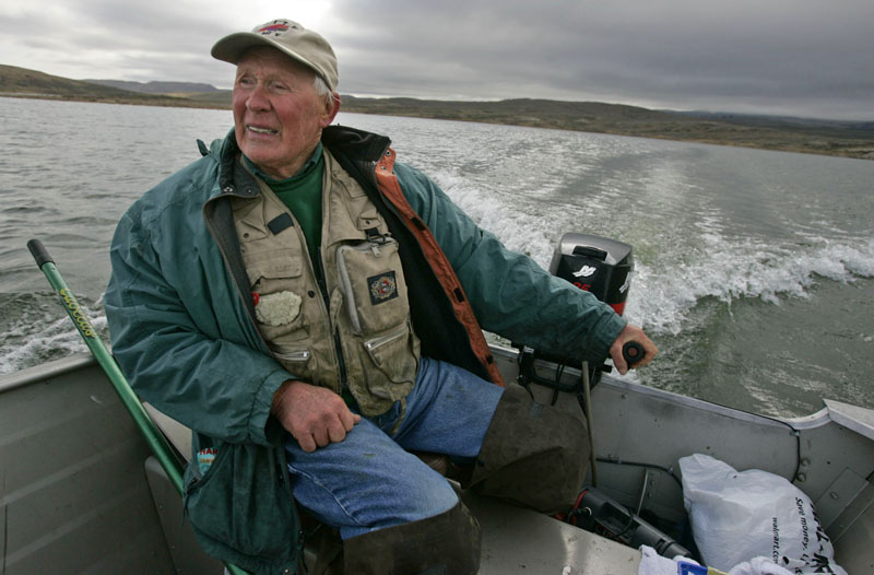 Jim Urquhart  |  The Salt Lake Tribune Dick Taylor of Holladay navigates the shallow bays Tuesday, October 20 2009 at Strawberry Reservoir outside Heber. As the surface water cools in the fall, bass fishing techniques can be employed with success to fish the shallows. 10/20/09