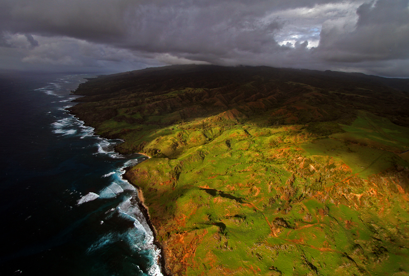 Molokai, Hawaii. Photo by Jim Urquhart/Straylighteffect.com
