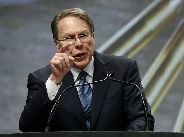 Executive Vice President of the National Rifle Association Wayne LaPierre gives the keynote address at the Western Hunting and Conservation Expo in Salt Lake CIty, Utah, February 23, 2013.  REUTERS/Jim Urquhart  (UNITED STATES)